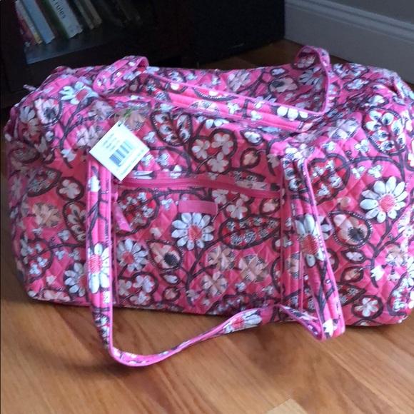 d7ffccc6c8c0 NWT Vera Bradley large duffel bag in blush pink. M 5ab7b595f9e5016dcd0792c7